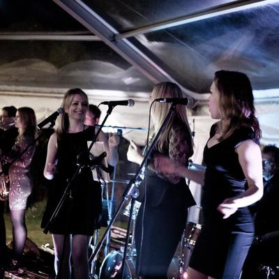 Crazy In Funk London Wedding Function Band Female Vocals 4