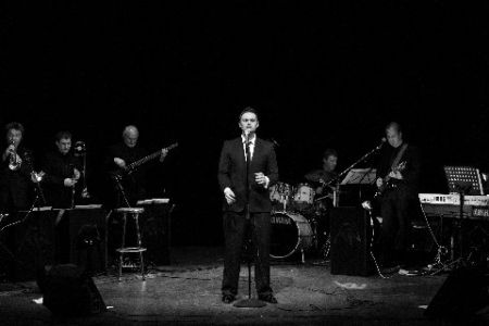 Michael Bublé tribute act with Hireaband