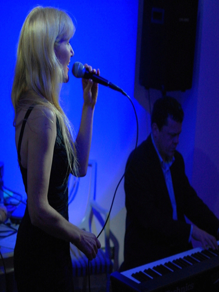 Ellie-Bel - Jazzy Solo Vocalist from Kent by Hireaband