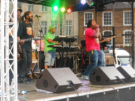 Mystic Crew reggae band with Hire a band