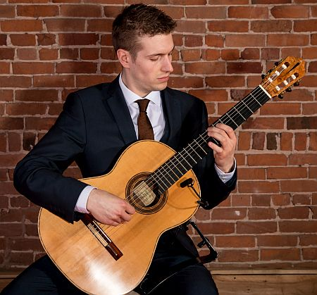 Midlands The Essential Classical Guitarist booking for weddings